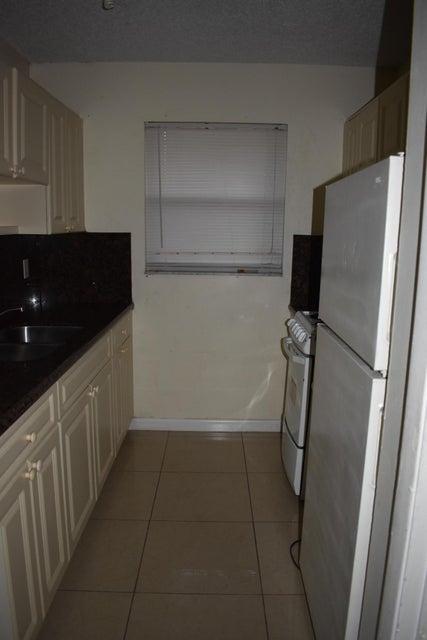Duplex / Multiplex for Rent at 421 S J Street # 3 421 S J Street # 3 Lake Worth, Florida 33460 United States