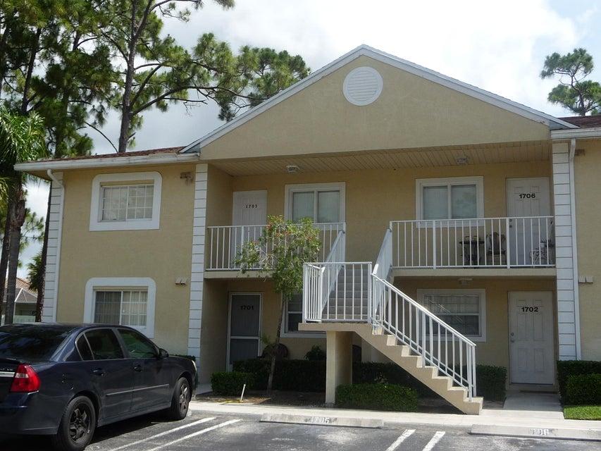 805 Palm Beach Trace Drive  Royal Palm Beach, FL 33411