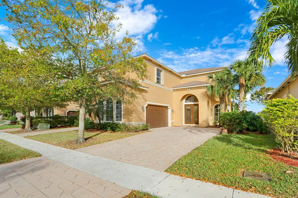 1213 Canyon Way  Wellington FL 33414