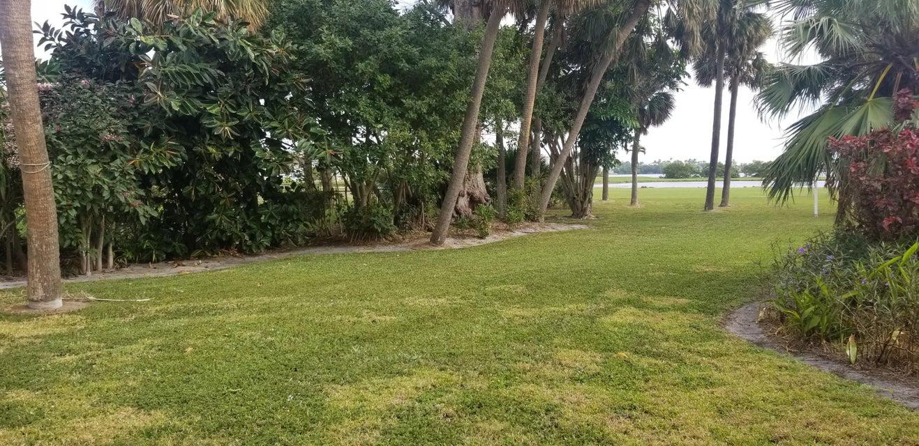 1508 N Lakeside Drive Lake Worth, FL 33460 photo 3