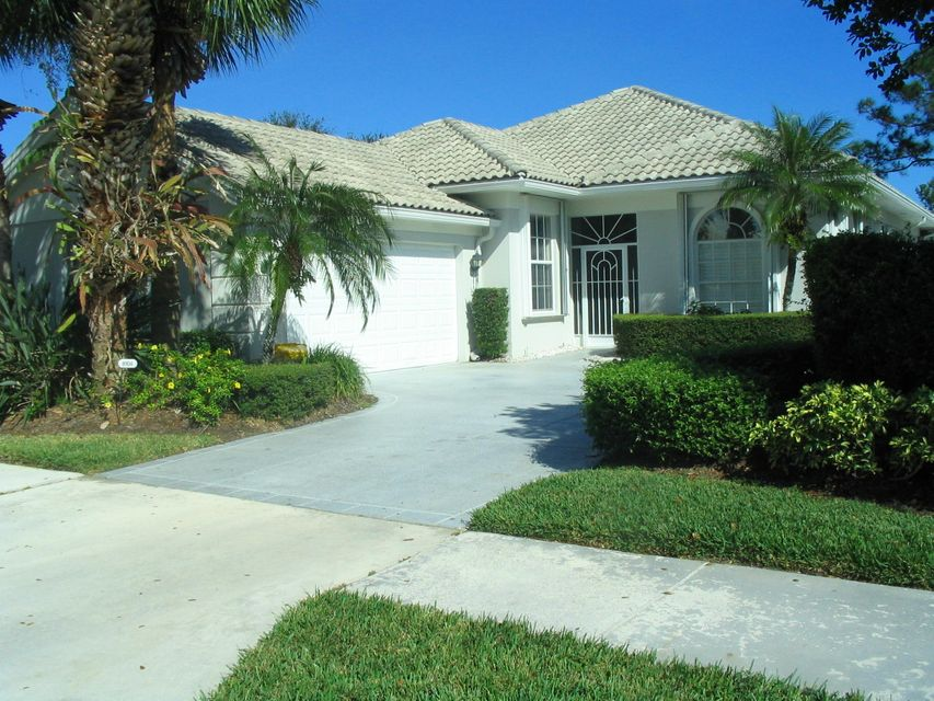 Single Family Home for Rent at 8104 SE Double Tree Drive 8104 SE Double Tree Drive Hobe Sound, Florida 33455 United States