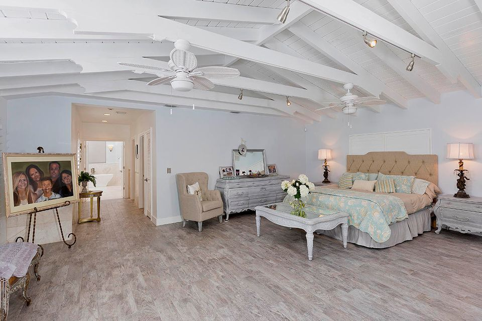Additional photo for property listing at 821 Bamboo Lane 821 Bamboo Lane Delray Beach, Florida 33483 United States