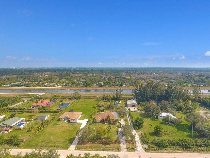 Additional photo for property listing at 15350 N 91st Terrace 15350 N 91st Terrace Jupiter, Florida 33478 Estados Unidos
