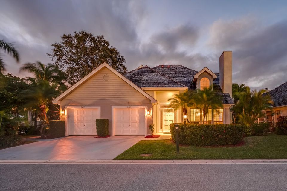 205 Woodsmuir Court , Palm Beach Gardens FL 33418 is listed for sale as MLS Listing RX-10396851 23 photos