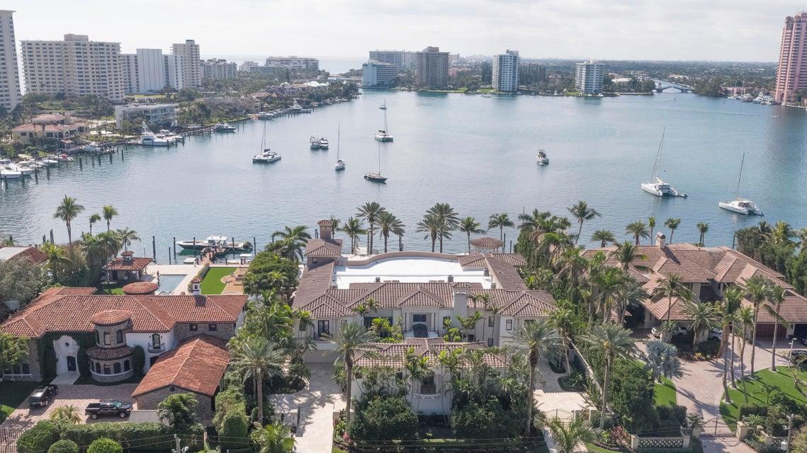 独户住宅 为 销售 在 750 Lake Drive 750 Lake Drive 博卡拉顿, 佛罗里达州 33432 美国