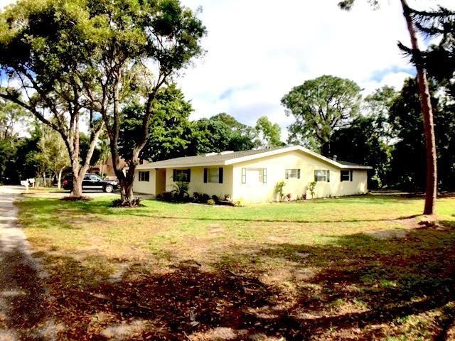 Single Family Home for Sale at 1128 Melinda Lane 1128 Melinda Lane Haverhill, Florida 33417 United States