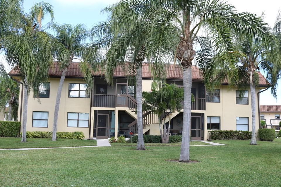 7197 Golf Colony Court 201  Lake Worth FL 33467
