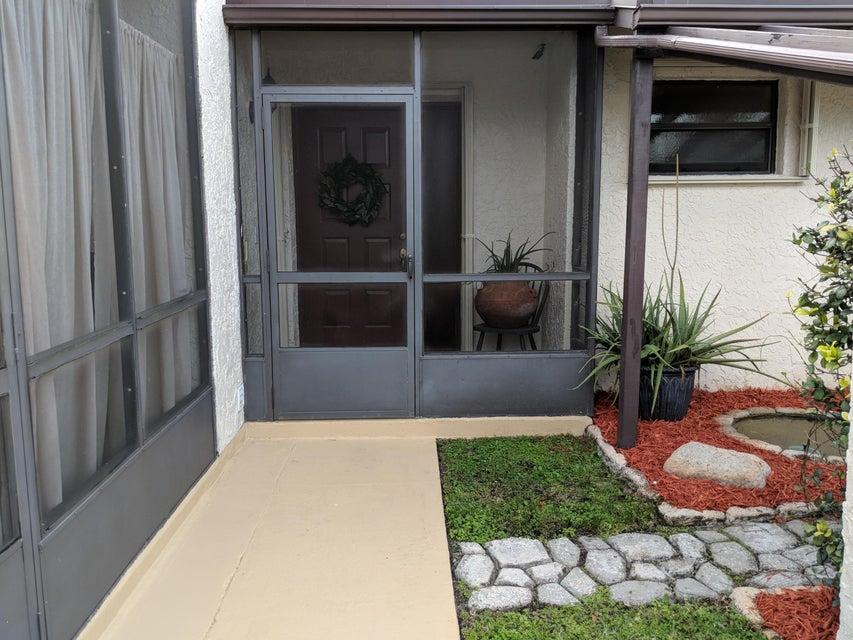 70 Mahoris Drive West Palm Beach, FL 33411 photo 2
