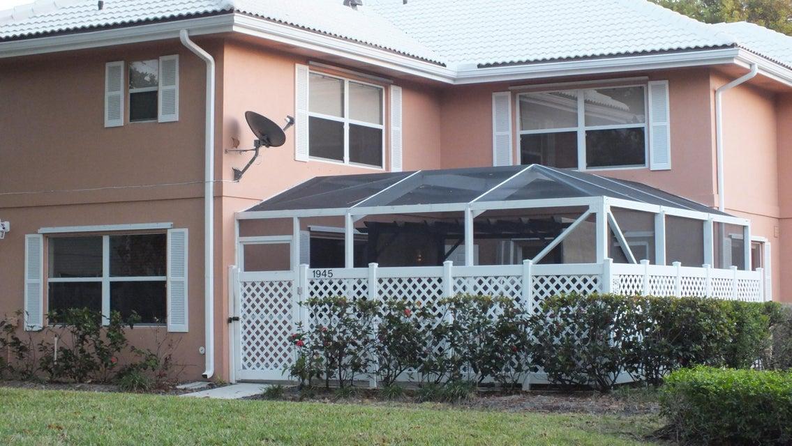 1945 Hartford Court  West Palm Beach, FL 33409