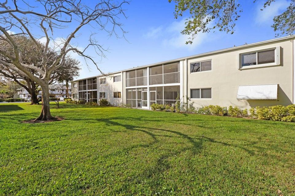 Condominium for Sale at 9 Westwood Avenue # 204 9 Westwood Avenue # 204 Tequesta, Florida 33469 United States