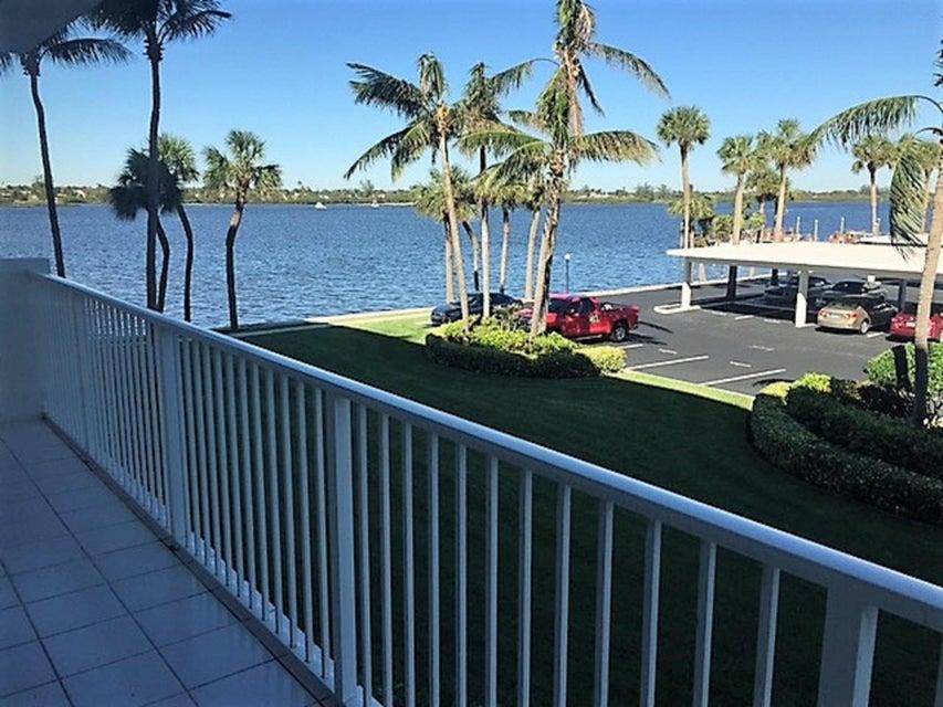 2860 S Ocean Boulevard 203 , Palm Beach FL 33480 is listed for sale as MLS Listing RX-10403260 17 photos