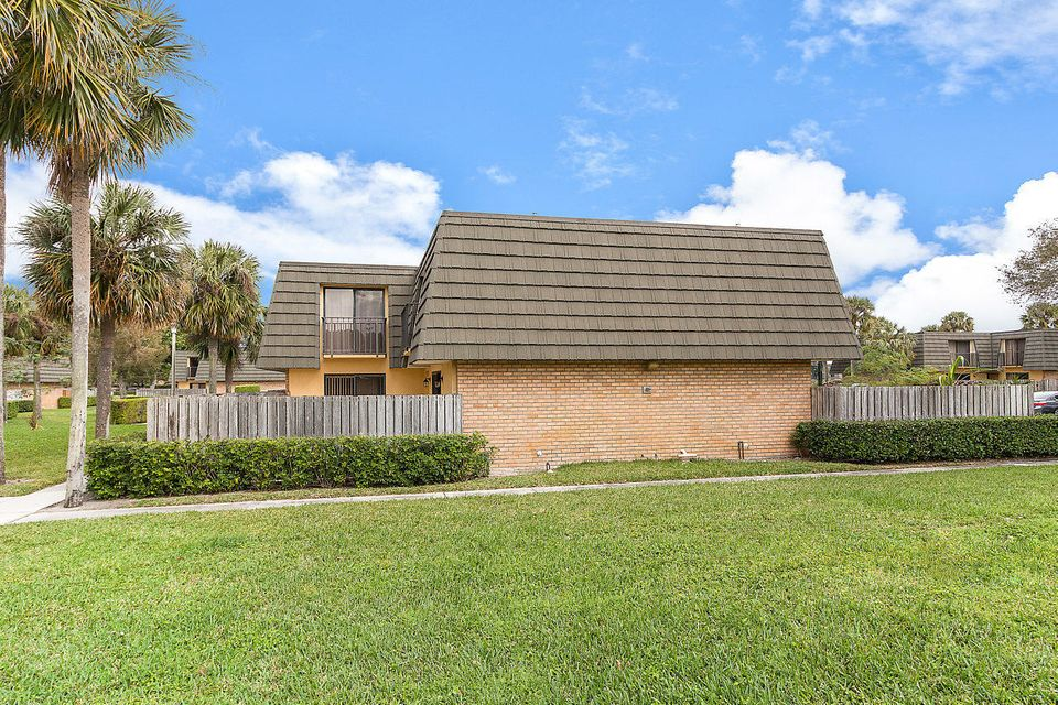 1302 13th Way West Palm Beach, FL 33407 photo 3