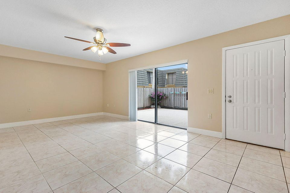 1302 13th Way West Palm Beach, FL 33407 photo 7