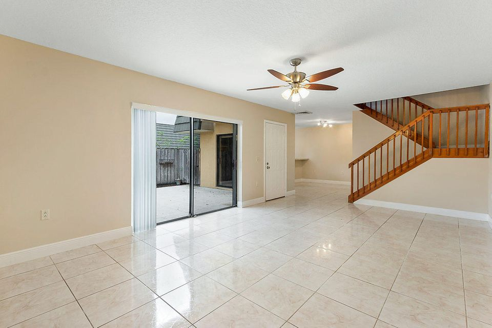 1302 13th Way West Palm Beach, FL 33407 photo 8