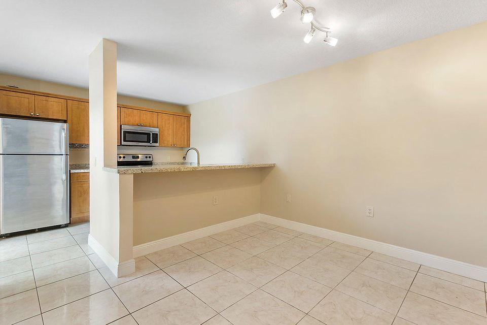 1302 13th Way West Palm Beach, FL 33407 photo 9