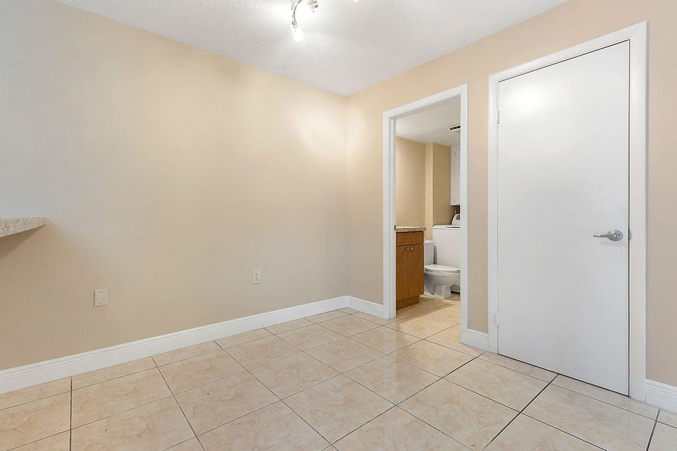 1302 13th Way West Palm Beach, FL 33407 photo 14