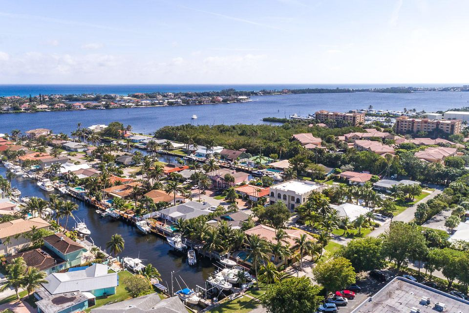 Single Family Home for Sale at 100 Neptune Drive 100 Neptune Drive Hypoluxo, Florida 33462 United States