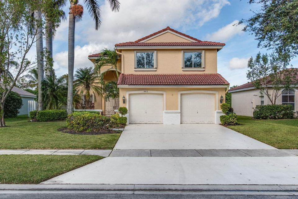 5612 Muirfield Village Circle  Lake Worth, FL 33463