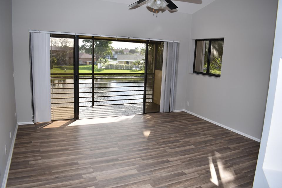 22 Via De Casas Sur 204  Boynton Beach FL 33426