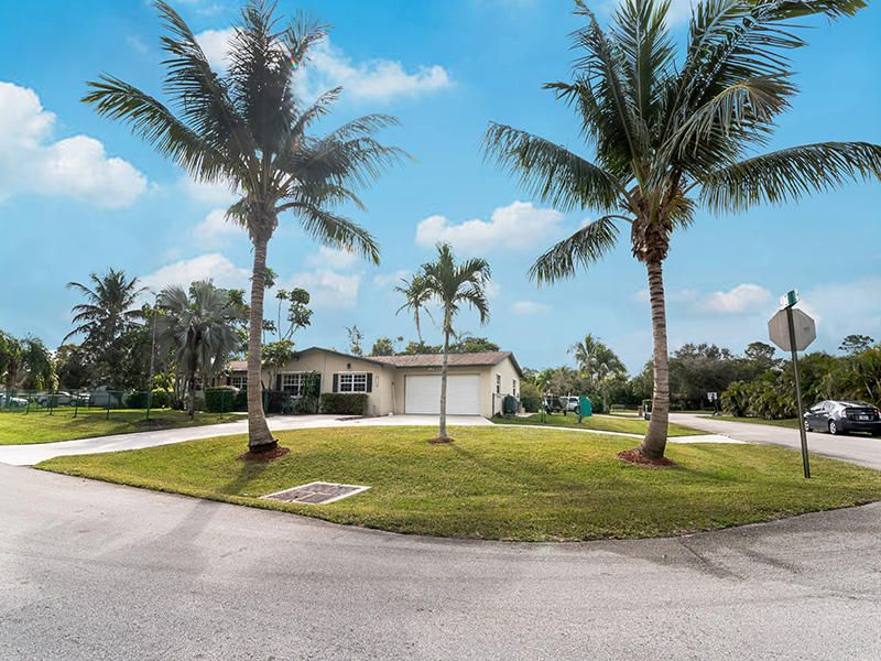 6700 Patricia Drive West Palm Beach, FL 33413 photo 6