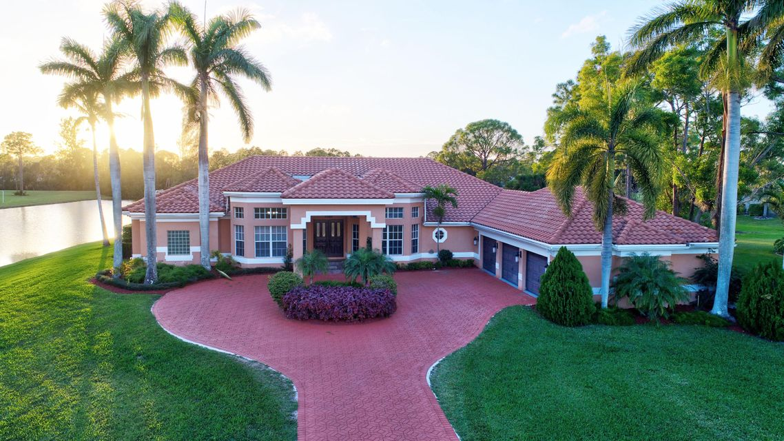 Home for sale in Bay hill Estates-Stonewal Estates Palm Beach Gardens Florida