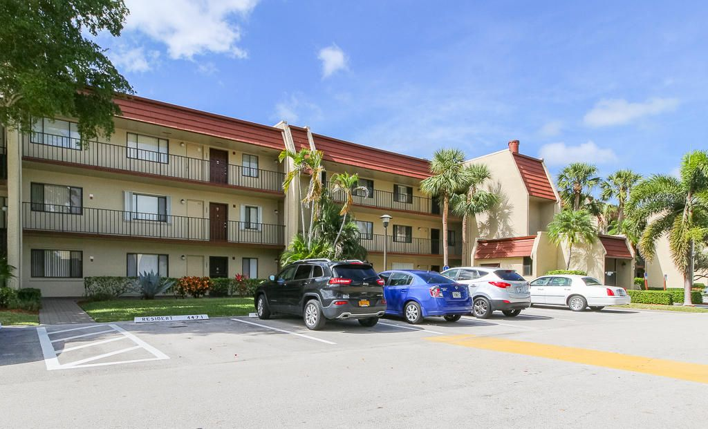 Condominium for Rent at 4471 Luxemburg Court # 104 4471 Luxemburg Court # 104 Lake Worth, Florida 33467 United States