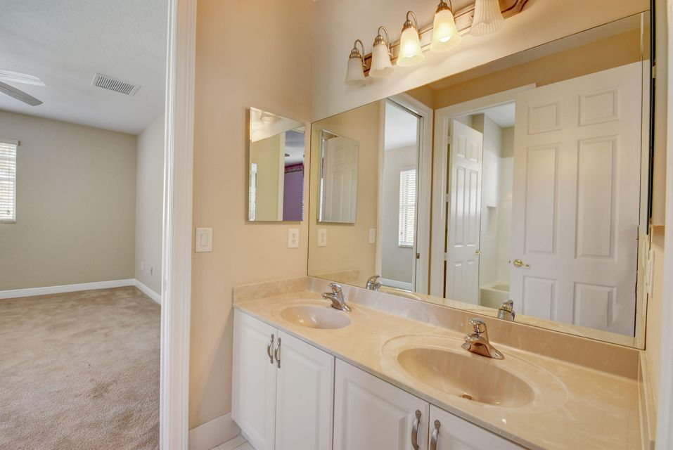 8728 Thornbrook Terrace Point Boynton Beach, FL 33473 - photo 38