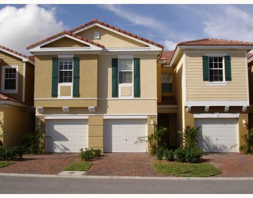 1000 Pipers Cay Drive  West Palm Beach, FL 33415