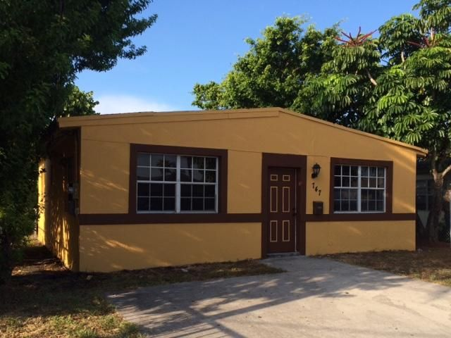 Single Family Home for Sale at 747 NW 5th Court 747 NW 5th Court Hallandale Beach, Florida 33009 United States