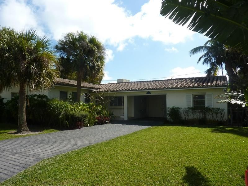 218 Debra Lane , Palm Beach FL 33480 is listed for sale as MLS Listing RX-10403654 13 photos