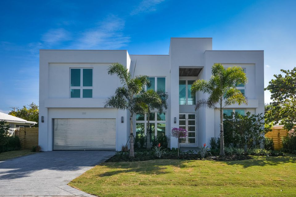 Single Family Home for Sale at 332 NE Wavecrest Court 332 NE Wavecrest Court Boca Raton, Florida 33432 United States