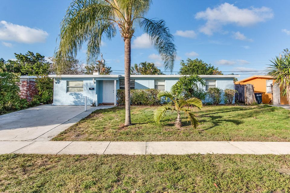 3819 Everglades Road , Palm Beach Gardens FL 33410 is listed for sale as MLS Listing RX-10403751 24 photos