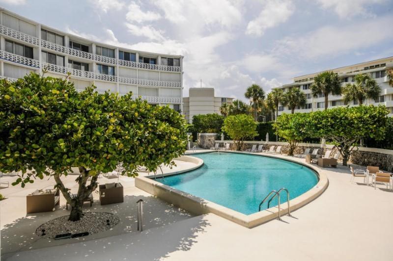 2760 S Ocean Boulevard, 206 - Palm Beach, Florida