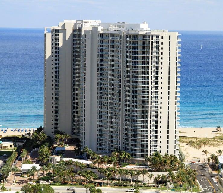 共管式独立产权公寓 为 销售 在 2700 N Ocean Drive # 2003 A 2700 N Ocean Drive # 2003 A Riviera Beach, 佛罗里达州 33404 美国