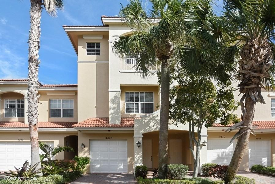 Townhouse for Rent at 4812 Sawgrass Breeze Drive 4812 Sawgrass Breeze Drive Palm Beach Gardens, Florida 33418 United States