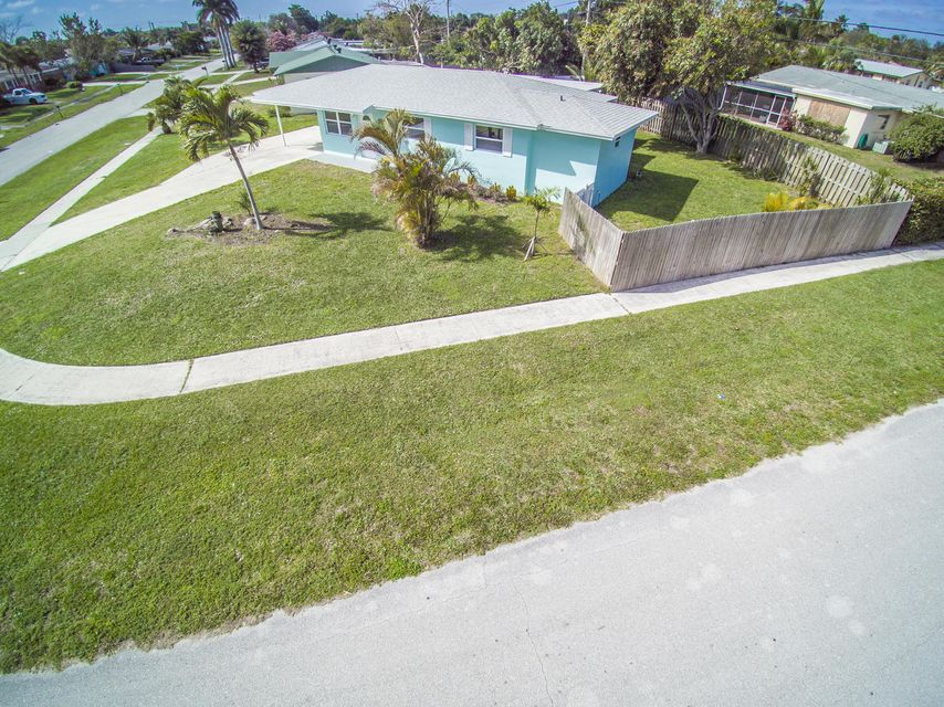 3737 Gull Road , Palm Beach Gardens FL 33410 is listed for sale as MLS Listing RX-10403878 20 photos