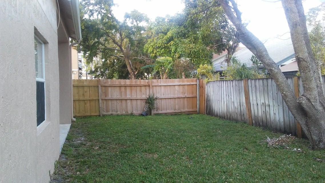 141 Heatherwood Drive Royal Palm Beach, FL 33411 photo 18