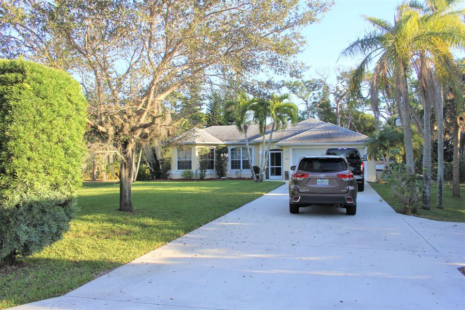Single Family Home for Sale at 1480 NW Britt Road 1480 NW Britt Road Stuart, Florida 34994 United States