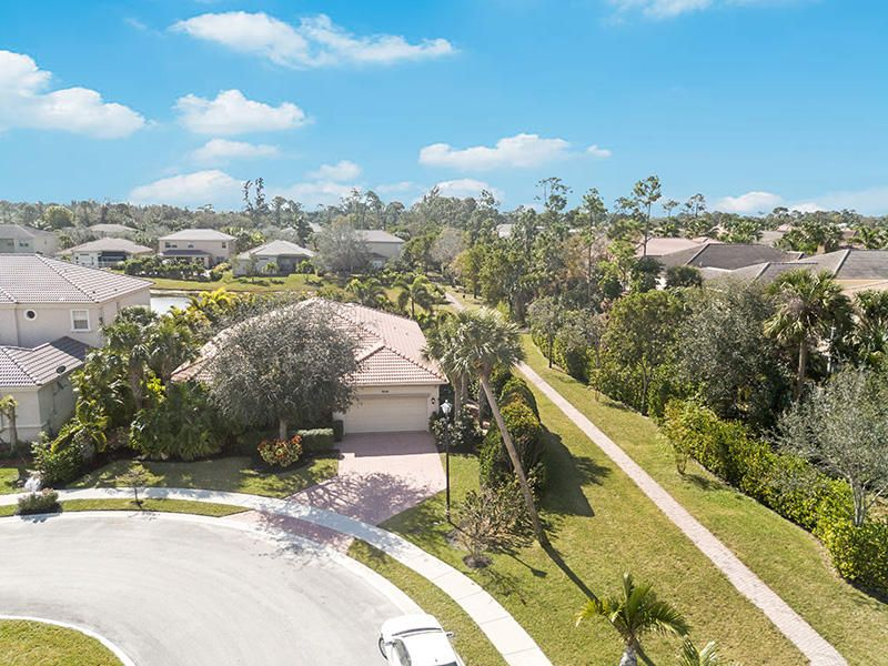 8640 Palisades Lakes Drive West Palm Beach, FL 33411 small photo 1