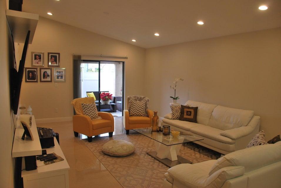 Single Family Home for Rent at 1359 Summit Run Circle 1359 Summit Run Circle West Palm Beach, Florida 33415 United States