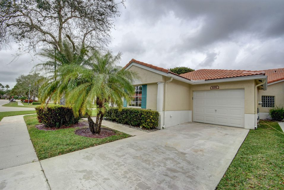 Floral Lakes home 6191 Floral Lakes Drive Delray Beach FL 33484