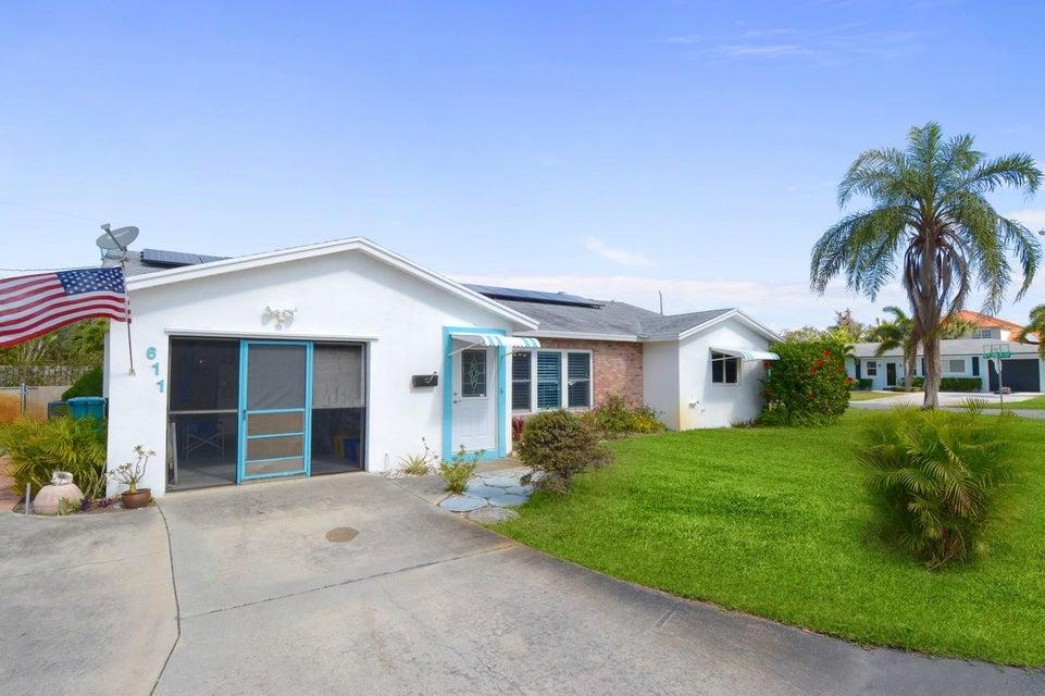 611 SW 28th Avenue  Boynton Beach FL 33435