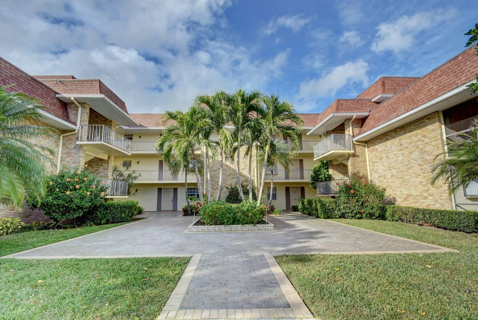 5500 Tamberlane Circle 204 , Palm Beach Gardens FL 33418 is listed for sale as MLS Listing RX-10403660 38 photos