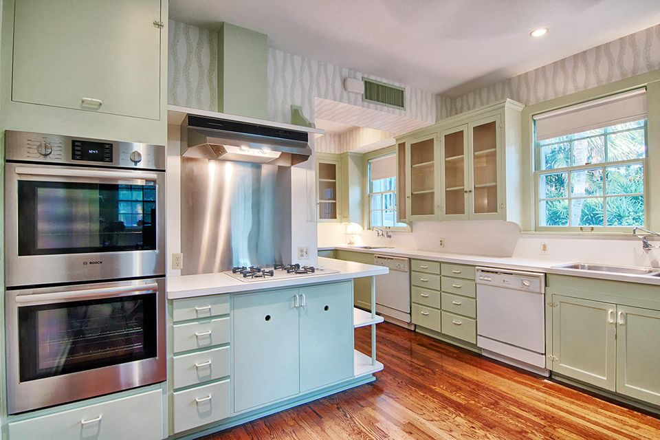 220  Jungle Road , Palm Beach FL 33480 is listed for sale as MLS Listing RX-10393782 photo #8