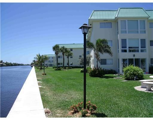 Condominium for Rent at 19 Colonial Club Drive # 203 19 Colonial Club Drive # 203 Boynton Beach, Florida 33435 United States