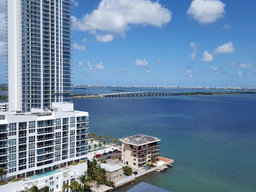 Condominio por un Venta en 601 NE 27th Street # 1701 601 NE 27th Street # 1701 Miami, Florida 33137 Estados Unidos