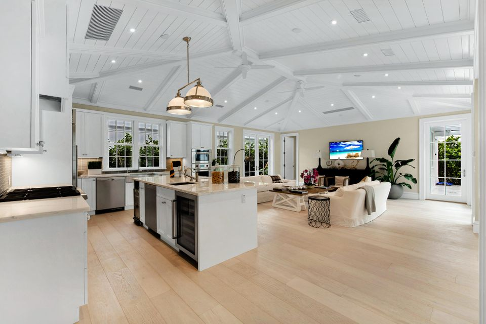 216  Sandpiper Drive , Palm Beach FL 33480 is listed for sale as MLS Listing RX-10404179 photo #9