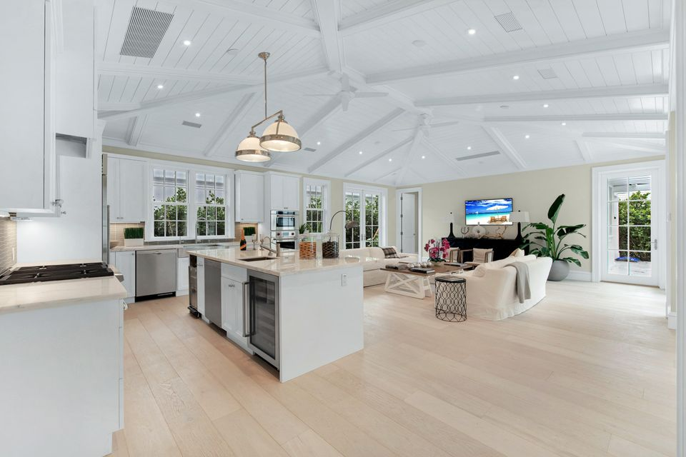 216  Sandpiper Drive , Palm Beach FL 33480 is listed for sale as MLS Listing RX-10404179 photo #15