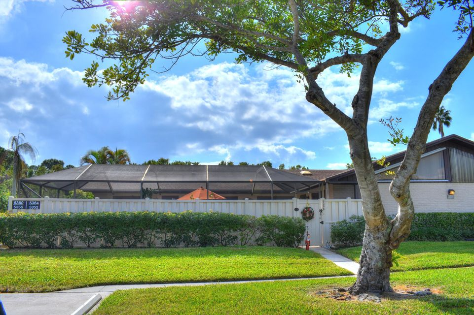 5356 Eagle Lake Drive , Palm Beach Gardens FL 33418 is listed for sale as MLS Listing RX-10404245 18 photos