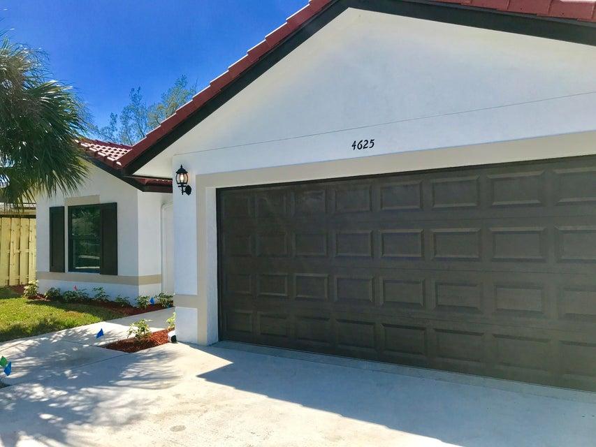 433 Summa Street  West Palm Beach, FL 33405